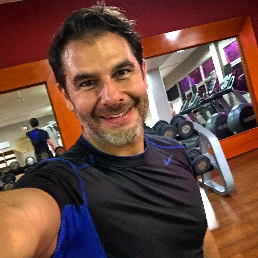 Dr. Fernando Gomes Pinto 43