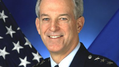 Photo of Gen. Douglas M. Fraser