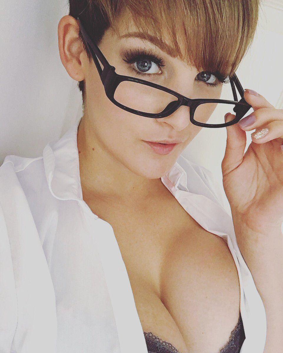 Hannah Brooks_28