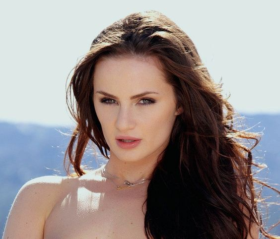 Lily Carter_6