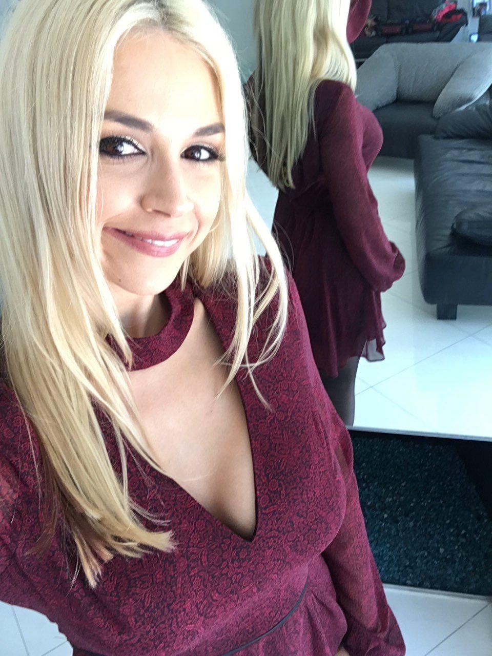 Sarah Vandella_17